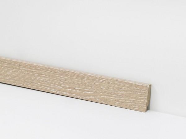 Check Vinyl Sockelleiste Nr. 2425 mit den Abmessungen 18 x 58 x 2400 mm