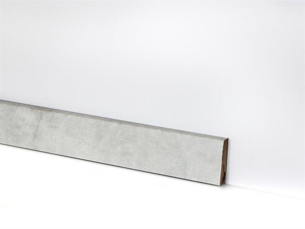 Check Vinyl Sockelleiste Nr. 2125 mit den Abmessungen 18 x 58 x 2400 mm-Copy